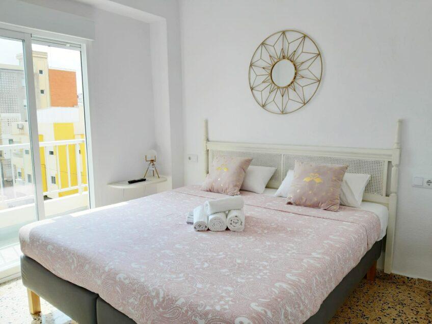 Habitacion No. 6 – El Flamenco –  3. planta – con balcón